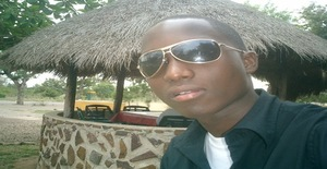 Vassilio 31 years old I am from Maputo/Maputo, Seeking Dating Friendship with Woman