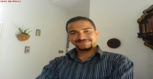 Azeez 33 years old I am from Tunis/Tunis Governorate, Seeking Dating Friendship with Woman