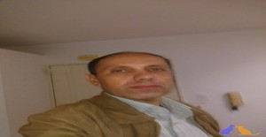 latinman 45 years old I am from Caracas/Distrito Capital, Seeking Dating Friendship with Woman